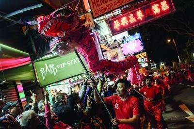 홍콩 설 축제에서 '카카오프렌즈' 만나요
