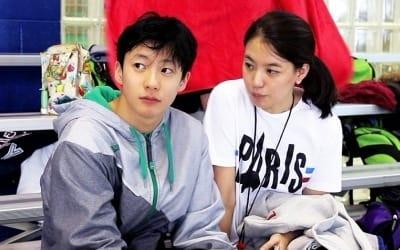 '싱글와이프2' 윤상 아내 심혜진, 청순 미모 '눈길'…큰아들은 수영계 유망주
