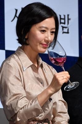 김희애, '와인과 잘 어울리는 여자'