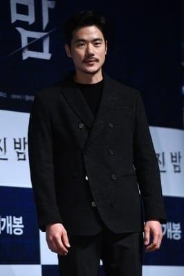 김강우, '선 굵은 이목구비'