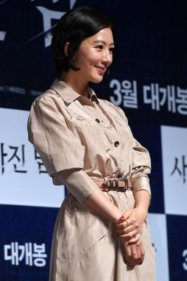 김희애, '소녀같은 모습으로'