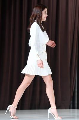왕빛나, '초미니 의상에 드러난 늘씬한 각선미'