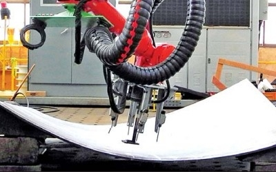 현대중공업, 3차원 성형로봇 최초 개발