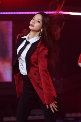 CLC 최유진, '눈길 사로잡는 걸크러시~'