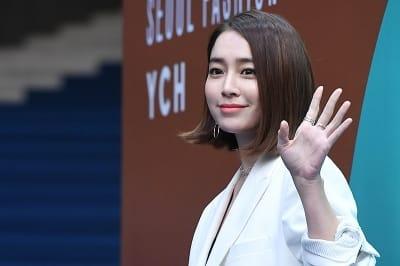 이민정, '눈길 사로잡는 미모~'