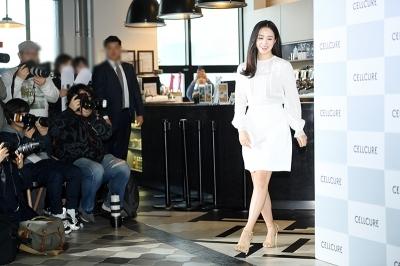 김태희, '나홀로 자체발광'