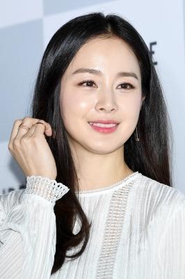 김태희, '생일에 더 아름다운 미모'
