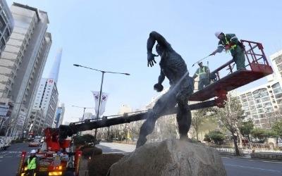 송파구, 봄 맞이 올림픽 조형물 청소