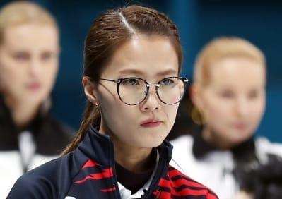 신세계그룹, 컬링 국가대표팀에 격려금 2억4000만원 전달