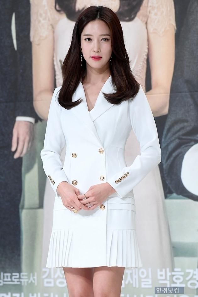 '이혼' 왕빛나, 지난해 인터뷰서 남편 언급…