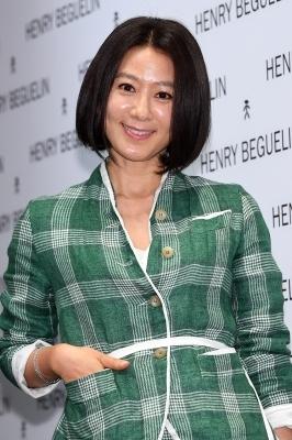 김희애, '나이는 숫자에 불과해~'