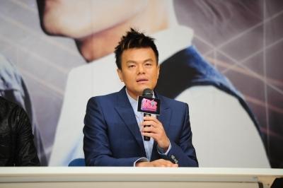 [특징주]JYP엔터, 박진영 구원파 집회 참석 보도에 '급락'