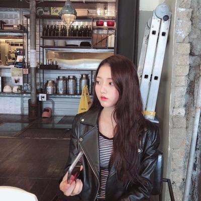'여중생A' 정다빈, 인스타그램 엿보니…역변없는 꽃미모 과시