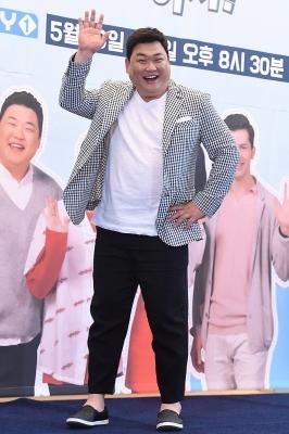 김준현, '유쾌한 인사~'