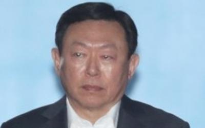 신동빈, 최순실 항소심서 증언…법정구속 100여일만에 첫 외출