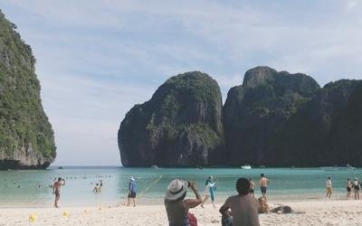 관광객에 지친 동남아 섬들 '휴식'… 태국 피피섬 일시폐쇄