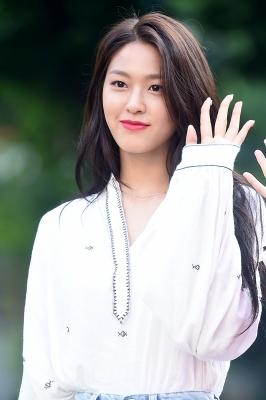 AOA 설현, '감탄을 부르는 꽃미모~'