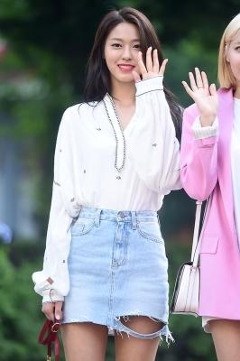 AOA 설현, '눈길 사로잡는 눈부신 미모~'