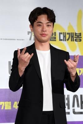 박정민, '변신의 귀재'