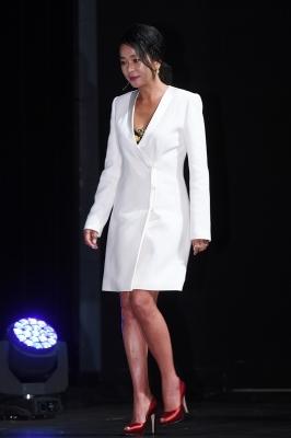 조민수, '코트 하나로 완성한 패션'