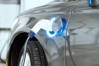 [특징주]전기차주, 상승…이탈리아 전기차 보급 계획 발표