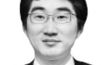 '사법부 혼란' 불 질러놓고 뒤로 숨는 김명수