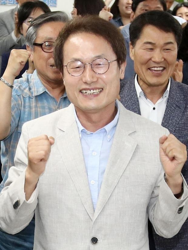 서울교육감선거, 출구조사서 진보성향 조희연 47.2%로 우세…박선영 34.6%