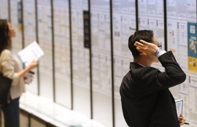 韓경제 허리 무너진다…30~40대 일자리 역대 최장기간 감소