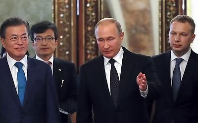 푸틴, 문 대통령 동방경제포럼 초청… 문 대통령