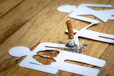 """""""집에서 담배 피우는 남편…"""" 사연 들어보니"""