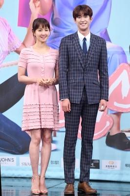 이시영-김진엽, '어색한 커플 포즈~'