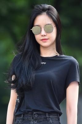 에이핑크 손나은, '선글라스 쓰고 시크하게~'