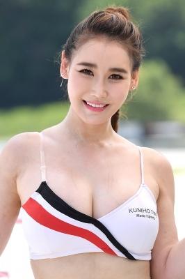 레이싱모델 이효영, '시원시원한 미소~'