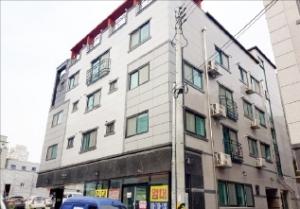 [한경 매물마당] 상가건물 내 독점 지정 1층 약국 등 7건