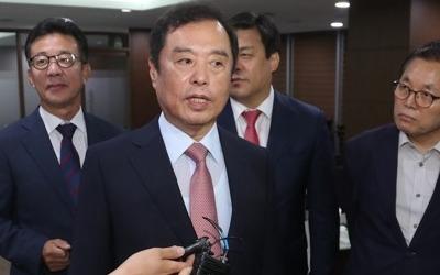 """김병준 """"文정부 부동산정책, 시장기능 못 살리고 규제만 강화"""""""