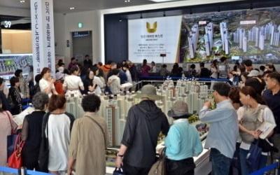 [집코노미] 고삐 풀린 수도권 비규제지역 분양가…주변 집값까지 '들썩'