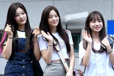 이시안-장규리-조유리, '팬들 향한 꿀 떨어지는 눈빛~' (프로듀스 48 출근길)