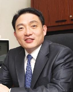 욕설파문 윤재승 회장, 대웅·대웅제약 대표 및 등기임원 사임