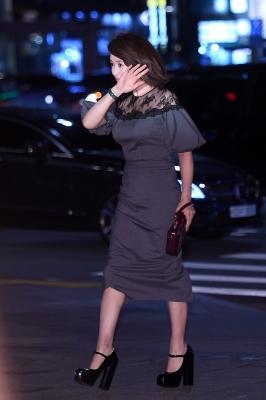 김혜수, '바람아 멈추어다오~'