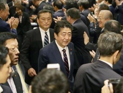 아베, 日 자민당 총재 당선… 3연임·최장기 재임 총리 된다