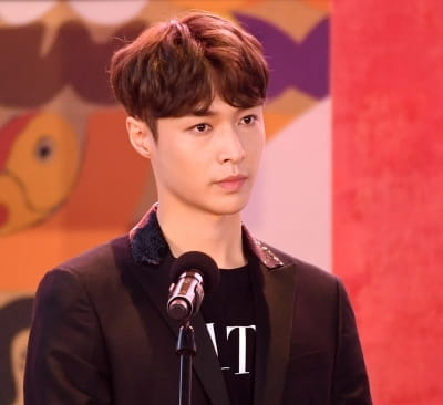 엑소 레이, ' 장이싱 이름으로 부산국제영화제 참석'