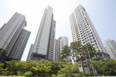 [집코노미] 부동산 전문가들, 집값 전망 잇따라 꺾는 이유
