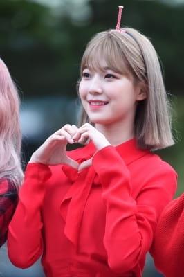 프로미스나인 백지헌, '보고만 있어도 기분 좋아지는 미소'