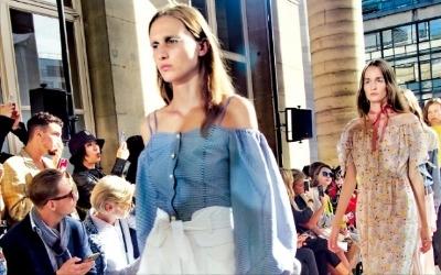 韓 여성복 라이, 파리지앵 사로잡다