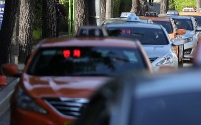 카카오 '카풀 서비스' 시동…택시업계 18일 총파업