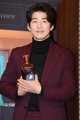 윤계상, '부드러운 카리스마~'