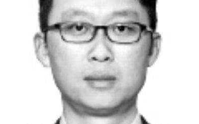 """新남방정책 몰아붙이는 靑…기업들 """"과속 땐 탈 나는데…"""""""