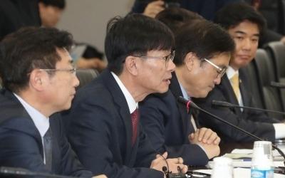 편의점 '자율규약'이라며 '성실이행 확인서' 받은 김상조 공정거래위원장