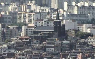 """""""집값 잡기 총력전 벌인 한해…시장과 팽팽한 줄다리기"""""""