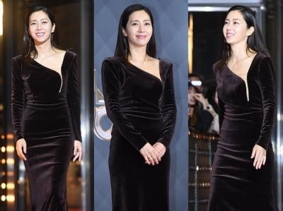 송윤아 '항아리 몸매 돋보이는 융드레스'